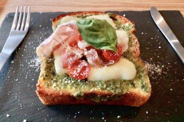 【トースト専門店8.OttO Bread(オットブレッド)】岡山市にトースト専門店がオープン!インスタ映え間違いなしの「何か」が乗った、外カリッ中ふわっ絶品トースト。