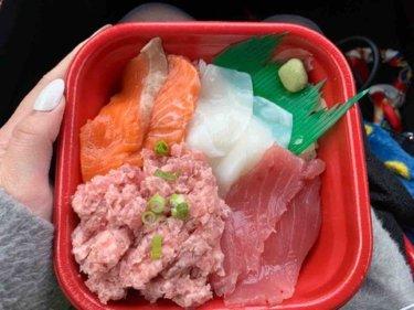 岡山テイクアウト【丼丸みやび】60種類以上のメニューが揃う寿司屋のほぼワンコイン海鮮丼!