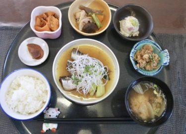 【カフェ えつぼ】岡山市中区の笑顔になれるカフェでお肉orお魚選べるランチ♪