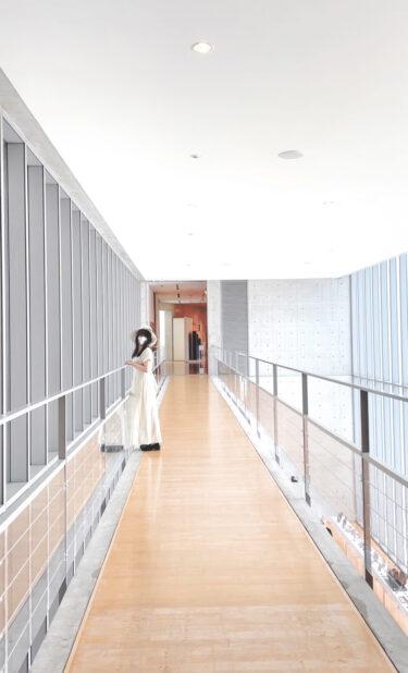 【高梁市成羽美術館】岡山deアートの旅!あの超有名建築家「安藤忠雄氏」設計の建物から映える美術館。